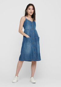 JDY - Robe en jean - medium blue denim - 1