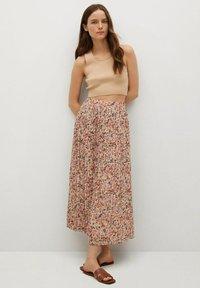 Mango - FALDA PLISAD - Maxi skirt - crudo - 1