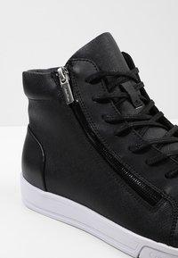 Calvin Klein - BERKE - Sneakers alte - black - 5