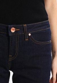 Tommy Hilfiger - ROME CHRISSY - Straight leg jeans - dark-blue denim - 6