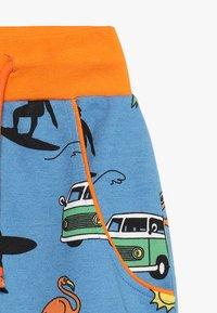 Småfolk - WITH SURFER - Pantalon de survêtement - sky blue - 2
