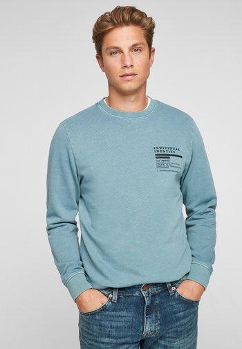 MIT WASCHEFFEKT - Sweatshirt - light blue