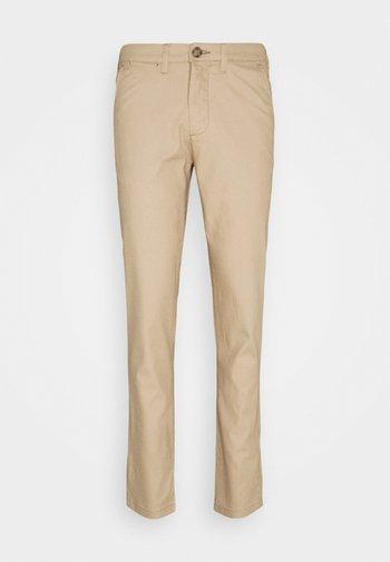 SLHSLIM MILES PANTS - Chino kalhoty - cornstalk