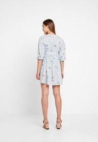 NA-KD - DEEP V MINI DRESS - Robe d'été - blue - 3