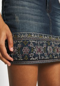 Desigual - FAL DENVER - Denim skirt - denim medium - 5