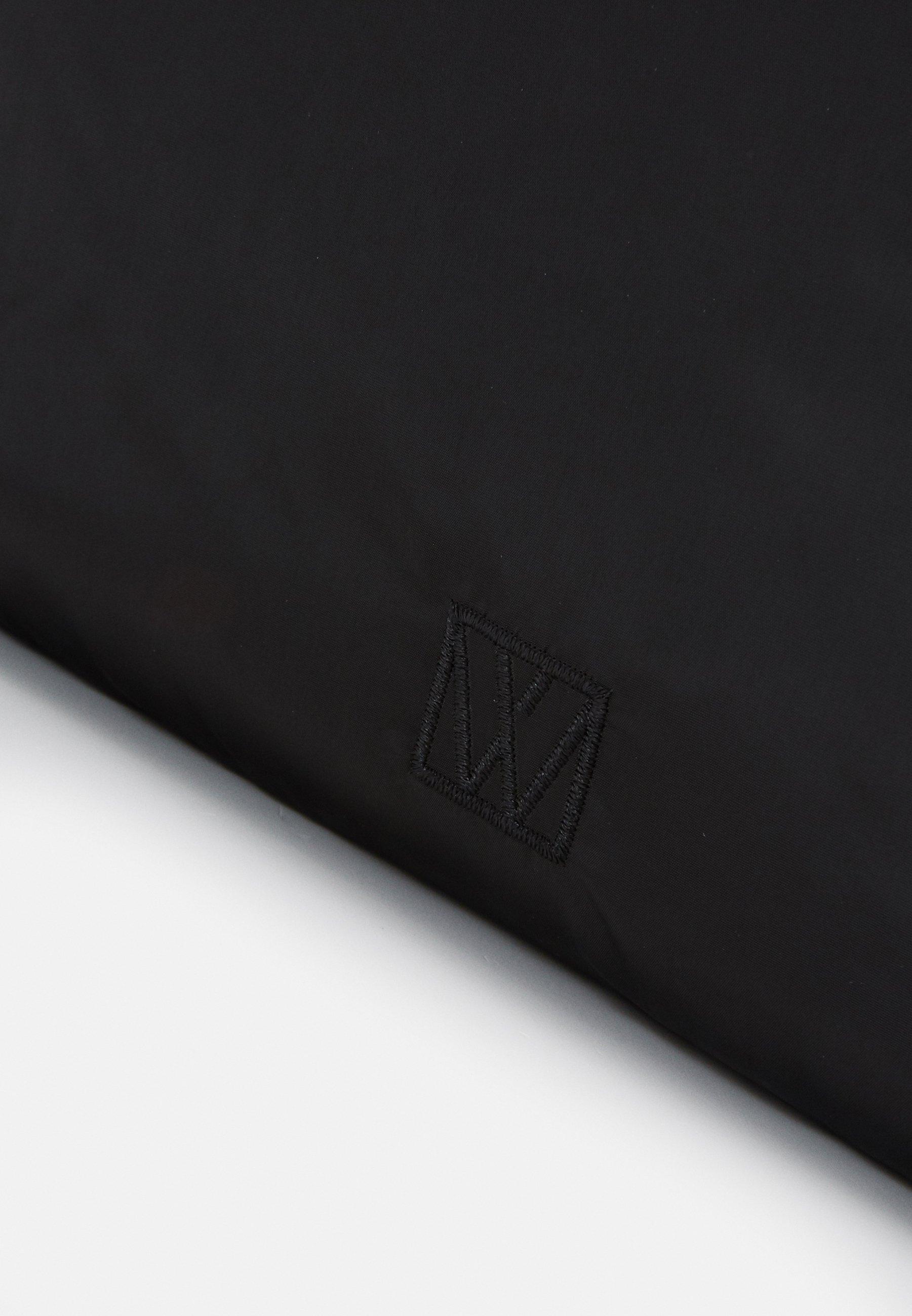 InWear TRAVEL BAG - Shoppingveske - black/svart w2Y3fZfC1jo7GAi