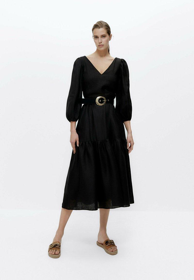 Uterqüe - Korte jurk - black