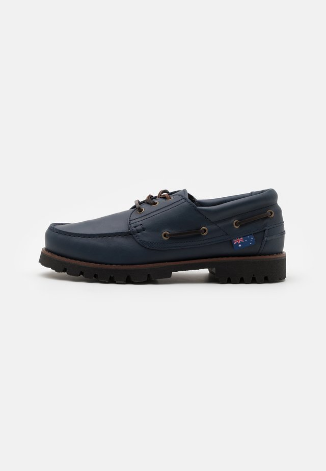 FENDER UNISEX - Boat shoes - navy