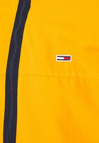 Tommy Jeans - ESSENTIAL CASUAL  - Tunn jacka - orange - 7