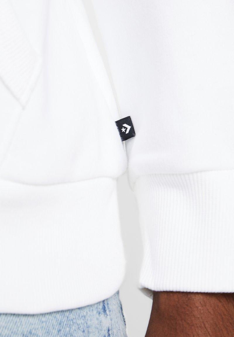 Converse MOUNTAIN CLUB PATCH GRAPHIC HOODIE - Kapuzenpullover - white/weiß tTl9LT
