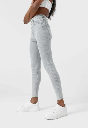MIT SUPERHOHEM BUND  - Jeans Skinny Fit - light grey