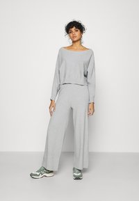 Even&Odd - SET STRICK - Jumper & Wide leg trouser - Svetr - mottled light grey - 2