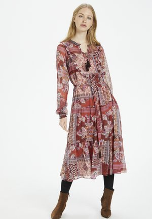 Day dress - etruscan red patchwork