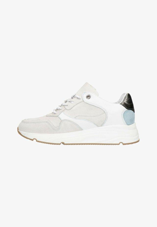 MIT GLATTLEDER-DETAIL - Sneakers laag - beige
