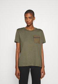Desigual - NIZA - Basic T-shirt - boaba - 0