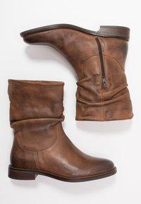 Anna Field - LEATHER CLASSIC ANKLE BOOTS - Kotníkové boty - brown - 3