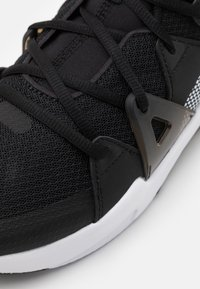 Puma - CELL FRACTION - Neutral running shoes - black/white/castlerock - 5