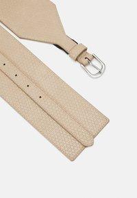 Pieces - PCZAFIR WAIST BELT KEY - Waist belt - birch - 2