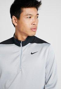 Nike Golf - DRI-FIT HERREN GOLFOBERTEIL MIT HALBREISSVERSCHLUSS - Funktionströja - wolf grey/pure platinum/black - 3