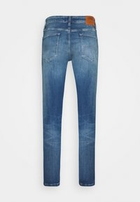 Tommy Jeans - AUSTIN SLIM TAPERED - Tapered-Farkut - blue denim - 1