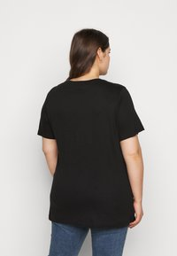 Vero Moda Curve - VMINDY LONG TOP BOX - Print T-shirt - black - 2