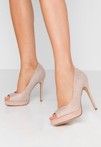 Dorothy Perkins - GIFTIE ALL OVER COURT SHOE - Peeptoe heels - blush - 0