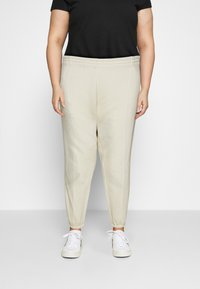 Nike Sportswear - PANT TREND PLUS - Joggebukse - coconut milk - 0