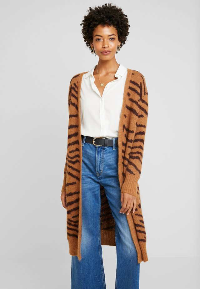 GODFRIED ZEBRA LONG - Vest - print camel