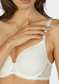 mey - SPACER BH FULL CUP SERIE FABULOUS - Underwired bra - off-white - 2