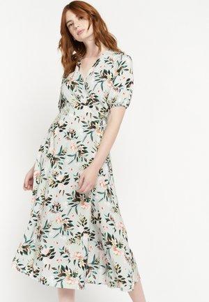 FLORAL  - Korte jurk - licht green