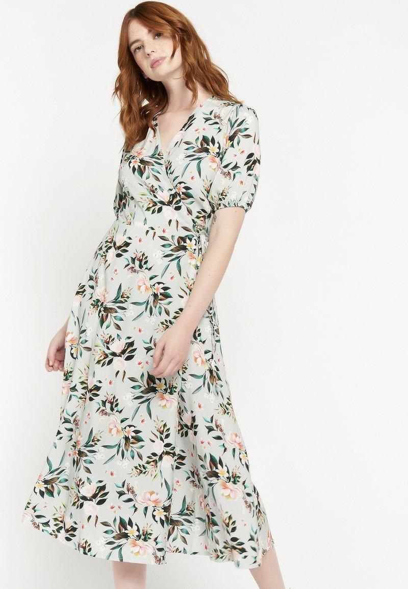 LolaLiza - FLORAL  - Day dress - licht green