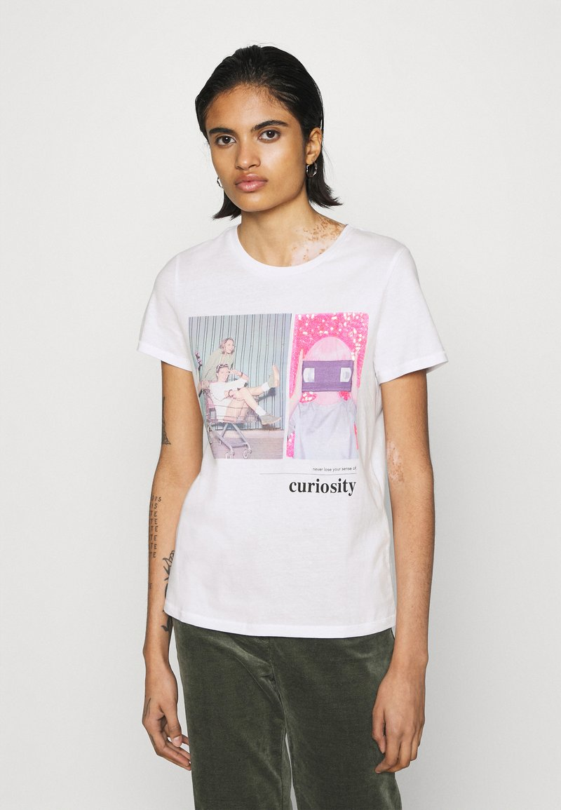 ONLY - ONLRUBY LIFE SEQUENCE - Print T-shirt - bright white/curiosity