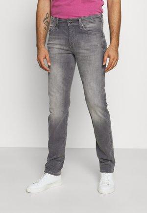 SEAHAM TRACKER - Slim fit jeans - dusty silver