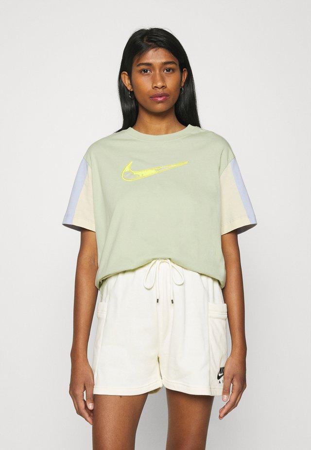Print T-shirt - olive aura