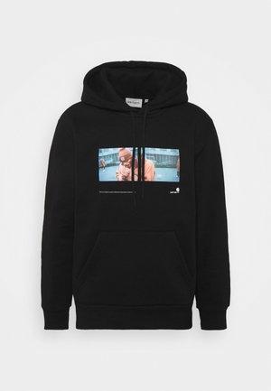 HOODED BACKYARD - Sweatshirt - black