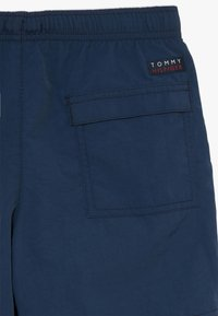 Tommy Hilfiger - MEDIUM DRAWSTRING - Plavky - blue - 4