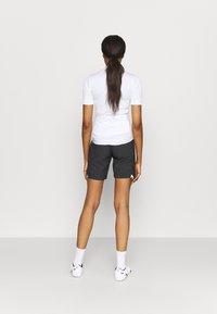 Vaude - WOMENS CYCLIST SHORTY - kurze Sporthose - black - 2