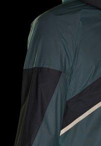 adidas Performance - DE PLUIE TERREX AGRAVIC PRO - Chaqueta de deporte - green - 7