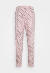 Nike Sportswear - REPEAT PRINT - Pantalones deportivos - champagne/smokey mauve/black - 6