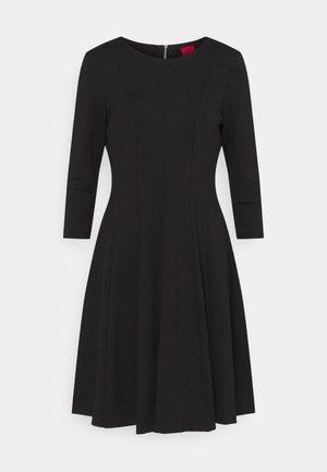 DIAMANDA - Žerzejové šaty - black
