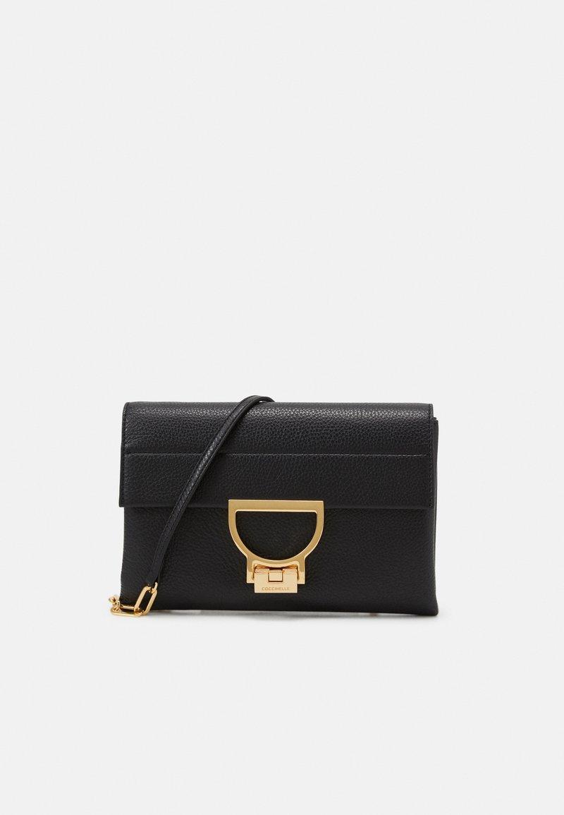 Coccinelle - ARLETTIS - Across body bag - noir