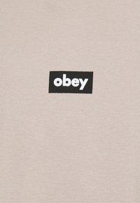 Obey Clothing - BAR - Printtipaita - humus - 2