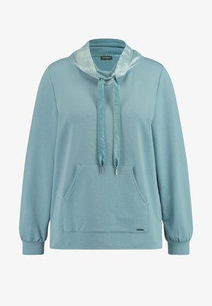 Sweater - cameo blue