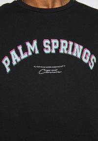 CLOSURE London - PALM SPRINGS TEE - T-shirt med print - black - 5
