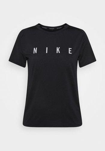 MILER  - T-shirt med print - black/reflective silver