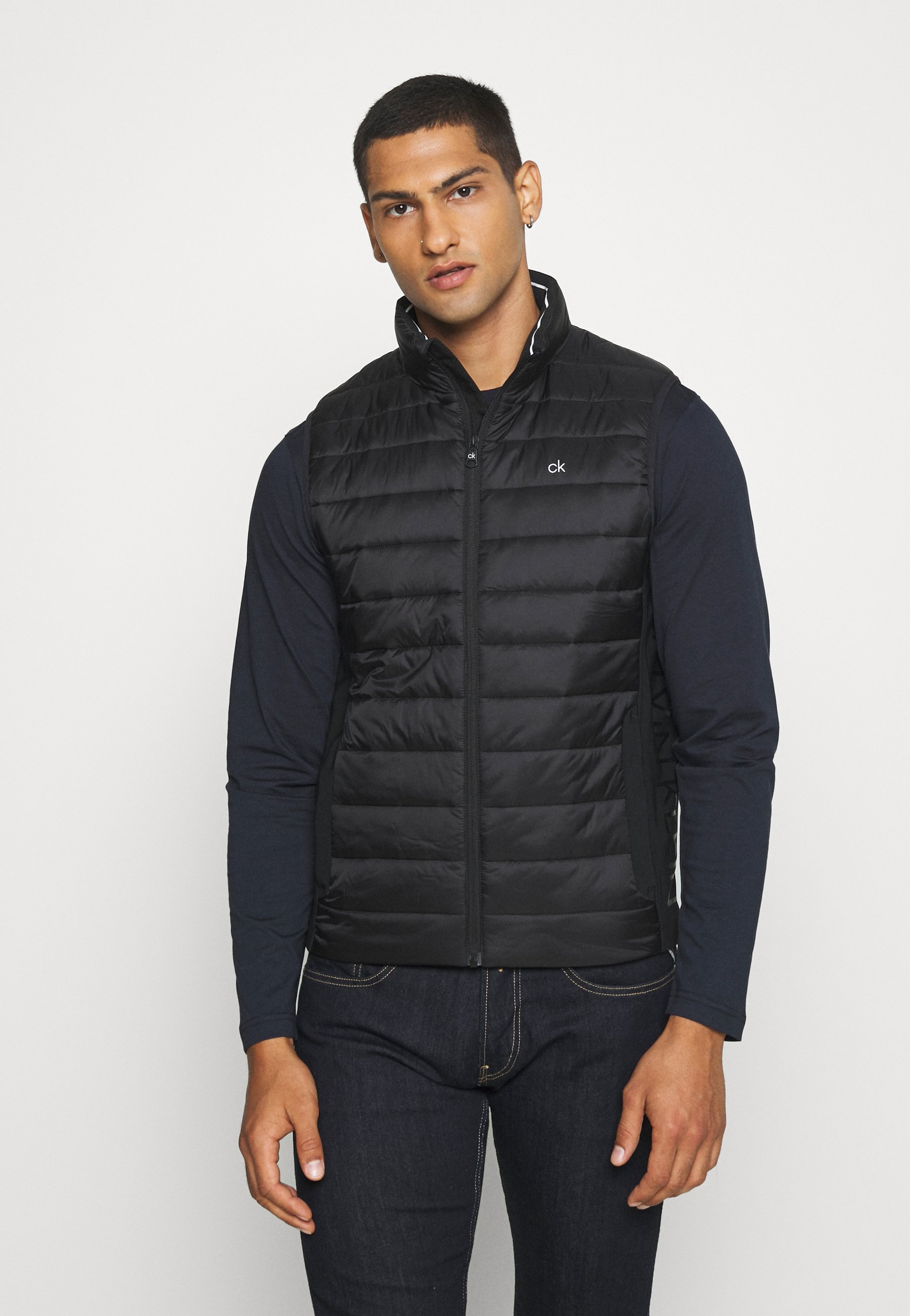 Outlet di fabbrica Abbigliamento da uomo Calvin Klein LIGHT WEIGHT SIDE LOGO VEST Smanicato black