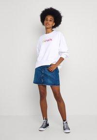 Levi's® - GRAPHIC - Sweatshirt - white - 1
