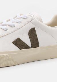 Veja - CAMPO - Trainers - extra white/kaki - 7