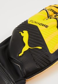 Puma - ONE PROTECT - Goalkeeping gloves - ultra yellow/black/white - 3