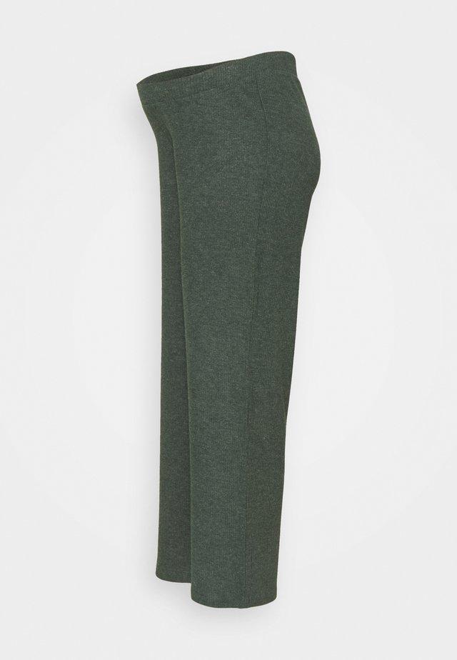 PCMHERMIONE PANTS - Kalhoty - duffel bag